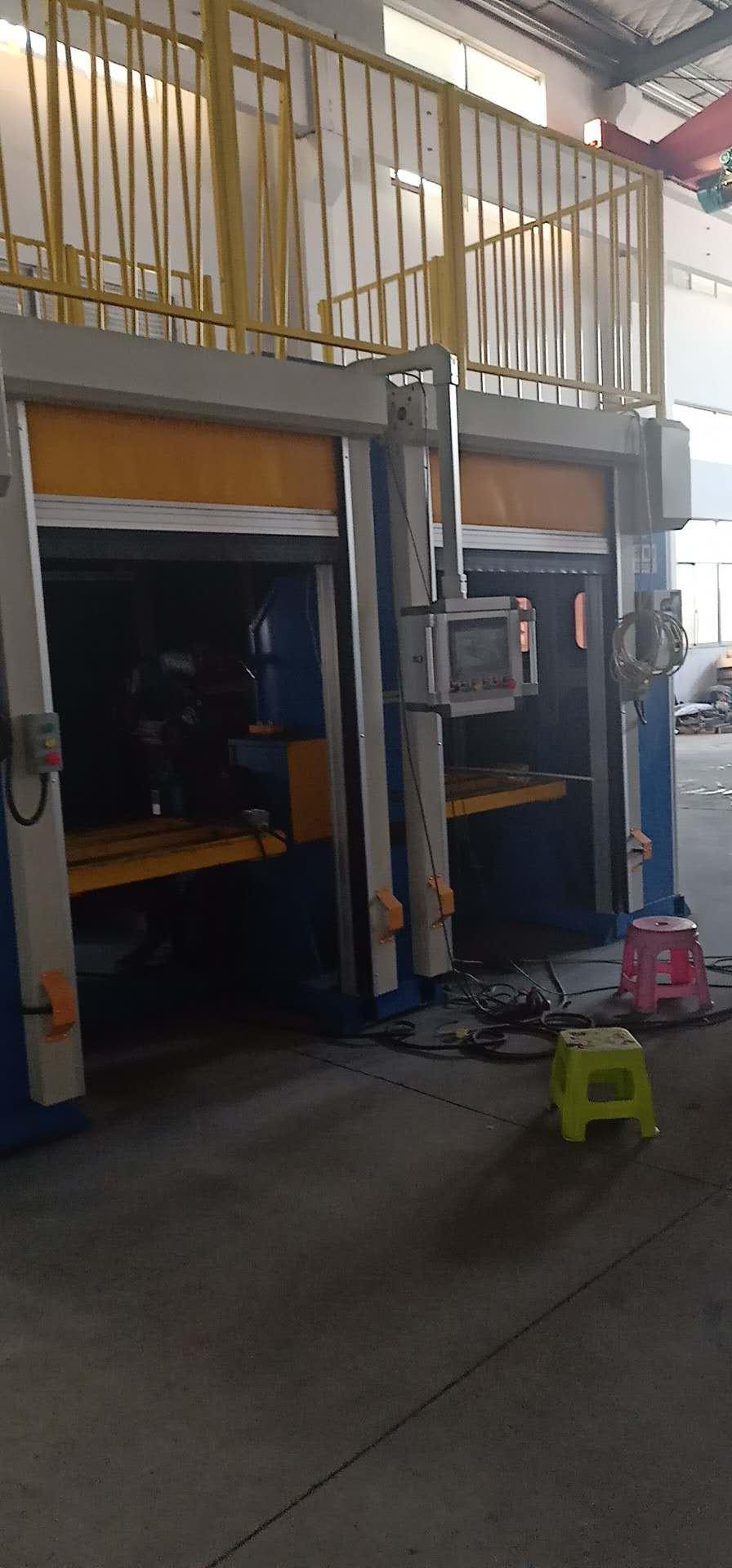 机器人焊房